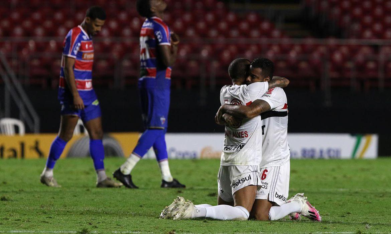 Copa do Brasil: São Paulo vence nos pênaltis e está nas quartas