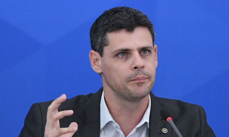 Juros longos mais baixos vai impulsionar crescimento, diz Funchal