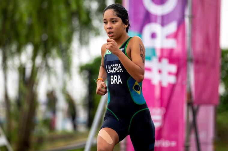 Estudante de Palmas é campeã Brasileira e Sulamericana de Triathlon; atleta destaca apoio dos professores e equipe escolar