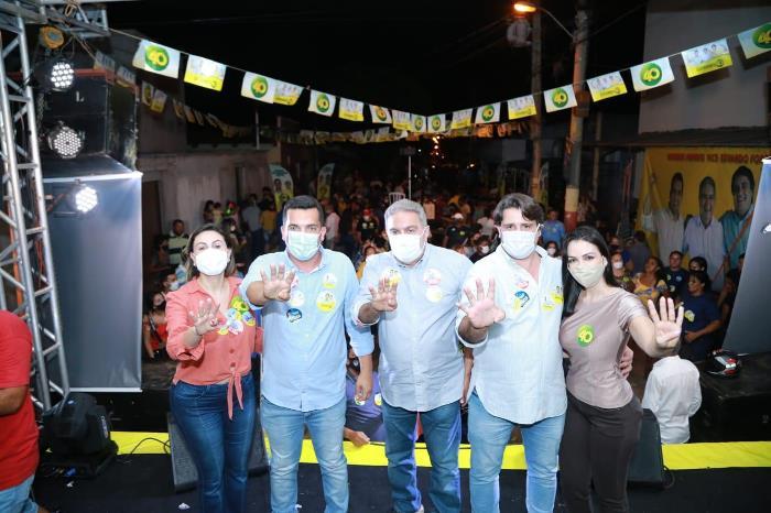 Reunião de Gutierres reúne centenas de pessoas no setor Vila Iris