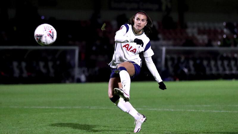 Fifa regulamenta licença-maternidade no futebol feminino
