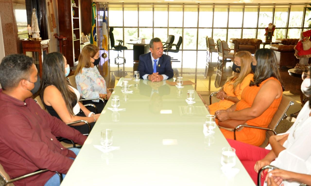 Governador em exercício recebe membros da DRE de Porto Nacional e destaca investimentos na área da Educação