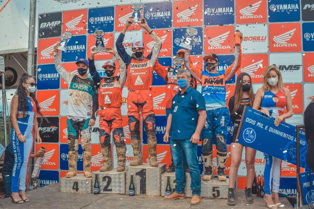 Lucas Dunka é o novo líder da categoria MX2 no Brasileiro de Motocross