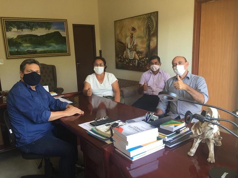 Prefeita eleita, Nezita Martins se reúne com deputados para alinhar pautas e demandas para Monte Santo-TO