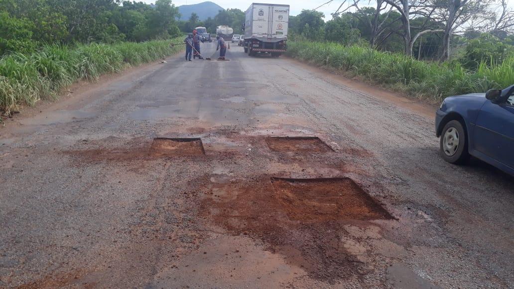 Governo do Tocantins realiza manutenção da rodovia que liga Porto Nacional a Silvanópolis