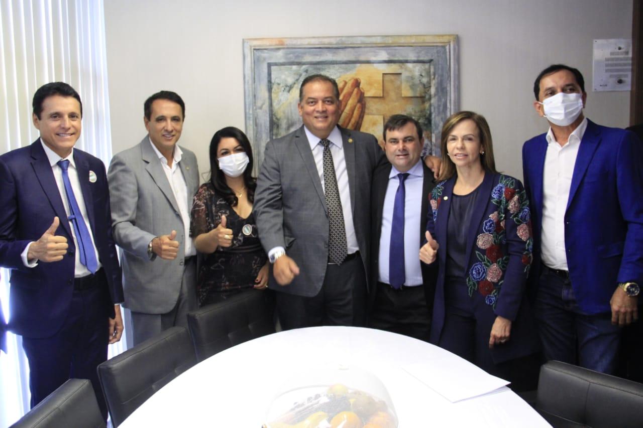 Em Brasília, prefeita Ildislene Santana reivindica recursos para Caseara