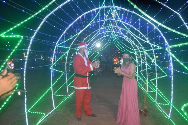 Decoração de Natal é inaugurada com novidades em Marianópolis