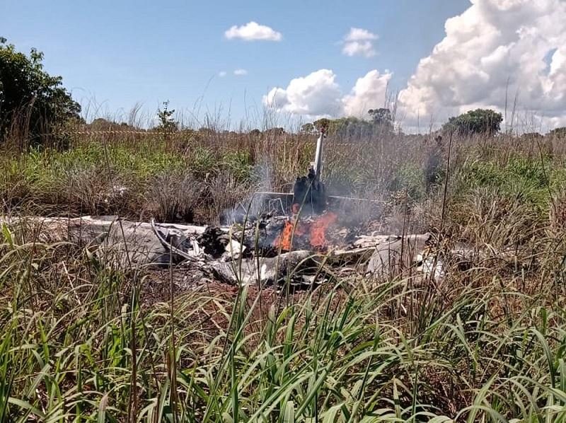 Seis pessoas morrem após avião particular cair em Luzimangues