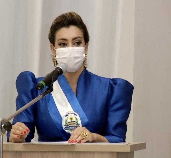 Prefeita anuncia plano de vacinação contra Covid-19 em Palmas e novos decretos