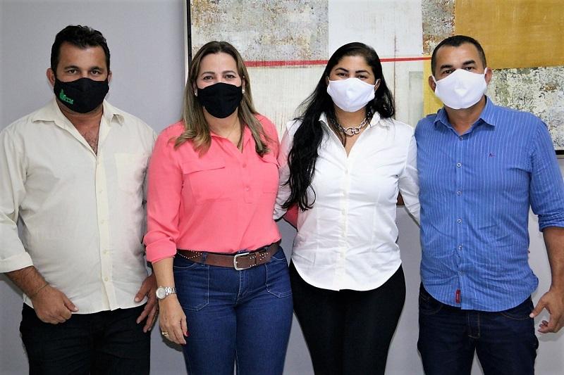 Prefeito Manoel Moura reivindica emendas para reforma da praça e pavimentação asfáltica em Abreulândia