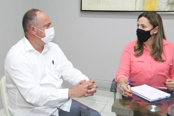 Prefeito Flavão se reúne com deputada Dulce Miranda em busca de recursos para Divinópolis