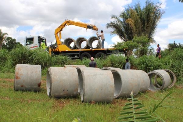 Prefeitura de Goianorte viabiliza construção de passagem na TO-164 sobre o córrego Bandeira