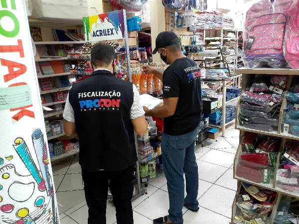 Procon Tocantins encontra variação de mais de 230% nos preços de materiais escolares em Araguaína