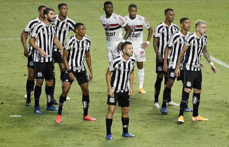 Com time reserva, Santos vence São Paulo e impõe segunda derrota seguida ao líder do Brasileirão