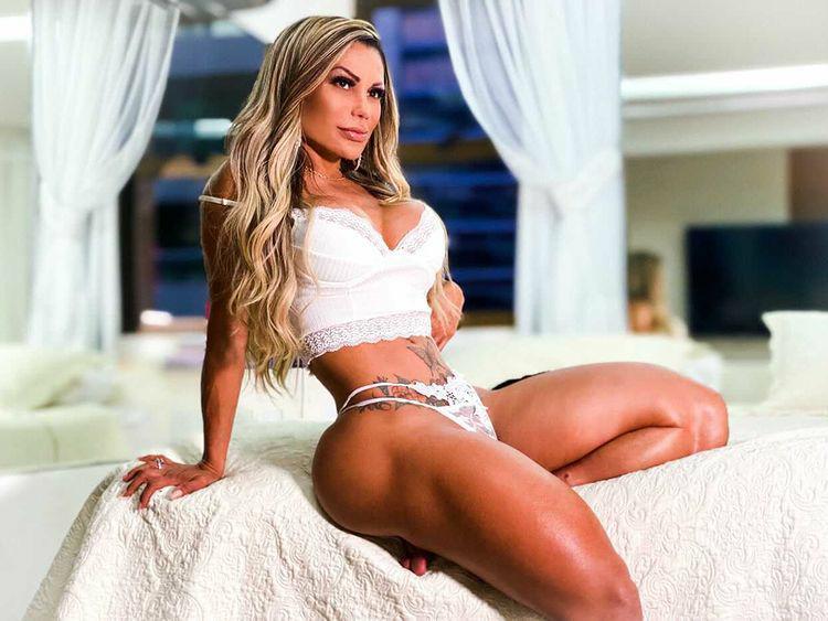 Musa fitness Tânìa Cruz bomba nas redes sociais com shape sarado