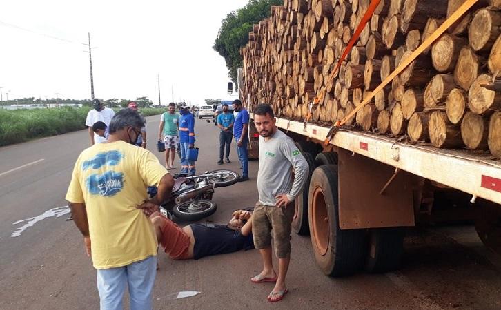 Motociclista morre após bater na traseira de caminhão parado na TO-050, em Palmas