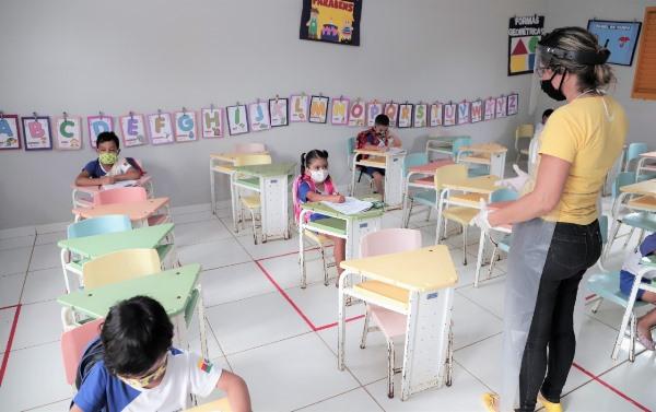 Araguaína retorna aulas não-presenciais e reduz expediente dos órgãos municipais