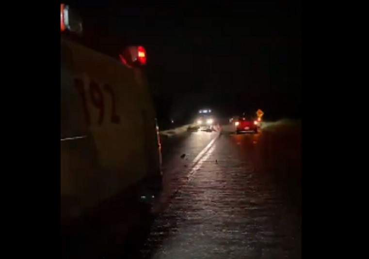 Ciclista e motociclista morrem em acidente na BR-242, no sul do Tocantins