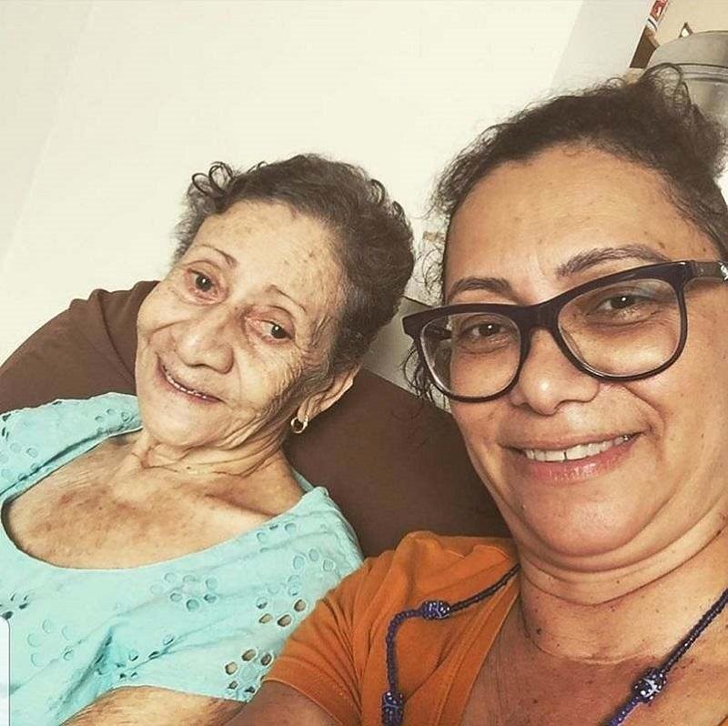 Falece aos 82 anos, Dona Tita, mãe da jornalista Roberta Tum