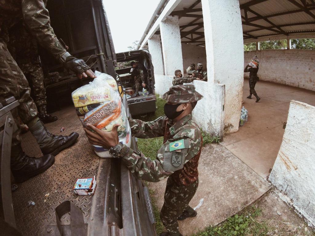 Comando Conjunto Norte distribui cesta básica e materiais de limpeza em terra indígena no Tocantins