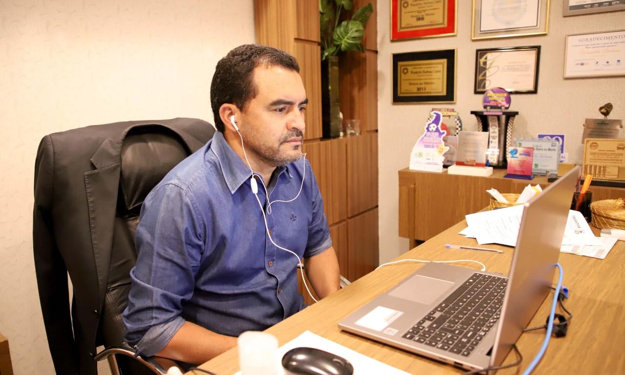 Governo do Tocantins lança programa que orienta servidores públicos sobre Educação Financeira