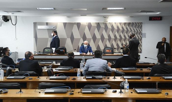 CPI da Covid: Senadores apresentam mandado de segurança para tirar Renan da relatoria