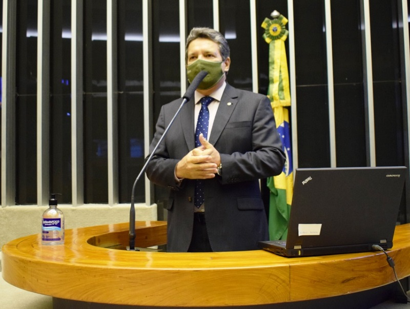 Damaso vota a favor de proposta que torna permanente o Pronampe