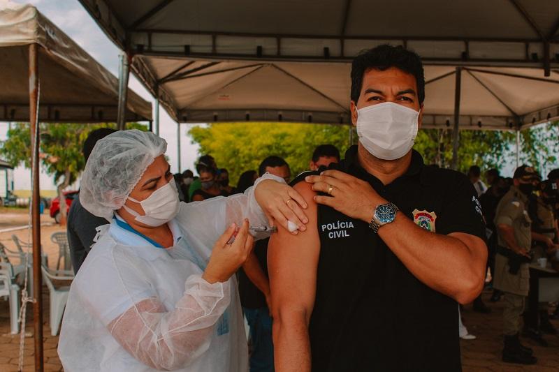 PM inicia imunização dos policiais militares contra o coronavírus em Araguaína