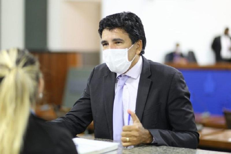 Prof. Júnior Geo reclama das rodovias abandonadas e questiona locação de aeronaves por R$ 32,9 milhões para o gabinete do governador