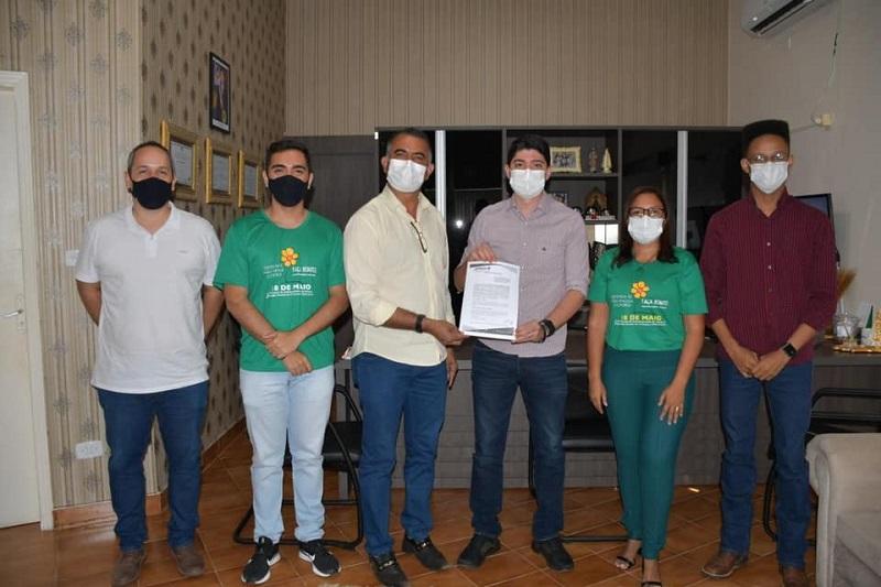 Nova Rosalândia e Paraíso firmam convênio para recolhimento e destinação de pneus inservíveis