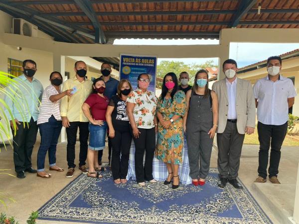 Dirigentes da UnirG visitam Caseara para possível implantação de polo universitário