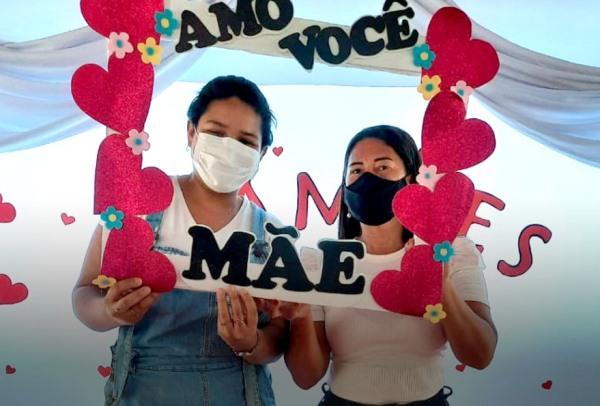 Entrega de atividades escolares conta com homenagens às mães em Marianópolis