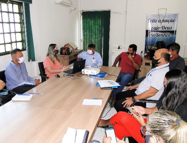 Prefeitura de Tocantínia e Sebrae discutem implantação do Programa Cidade Empreendedora