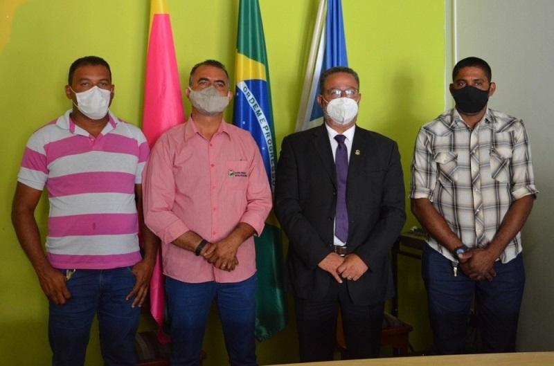 Secretário Tom Lyra visita futuras instalações do Distrito Agroindustrial de Nova Rosalândia