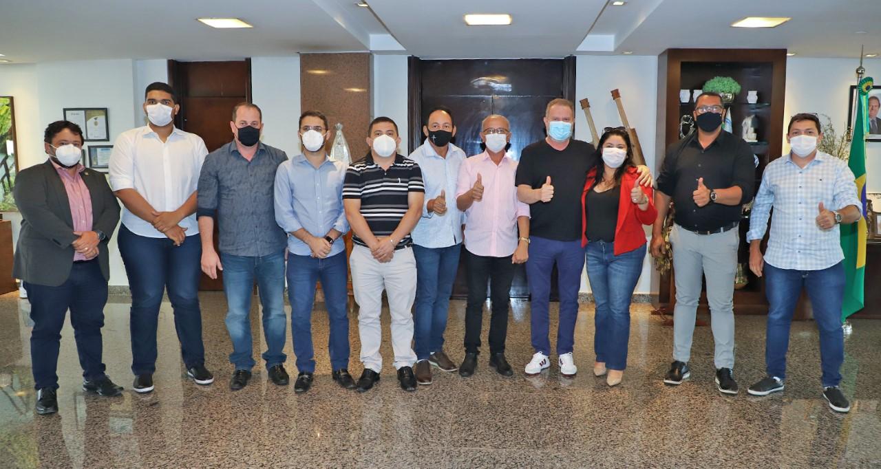 Governador Mauro Carlesse recebe vereadores de Gurupi