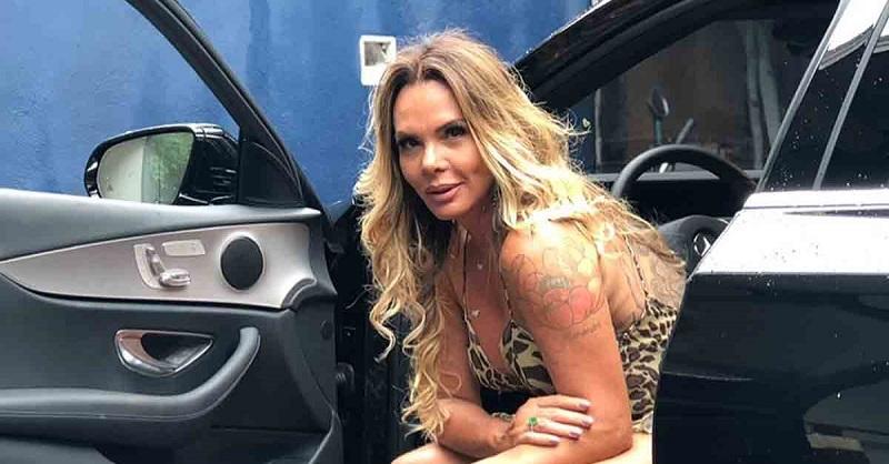 Cristina Mortágua leiloa calcinha usada durante ensaio sensual em 2003
