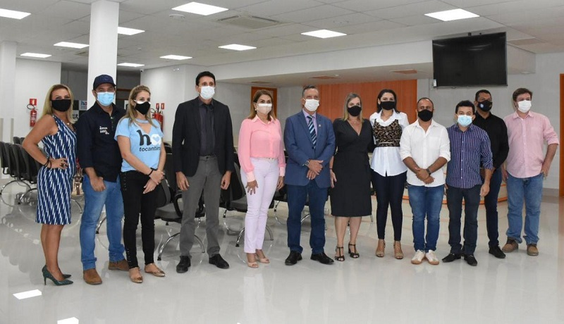 Nilton Franco visita Hospital do Amor na companhia do presidente da AL-TO e vereadores do Vale do Araguaia