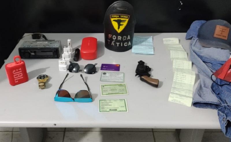 Policia Militar recupera veículo roubado e prende suspeito de roubo e extorsão mediante sequestro em Porto Nacional