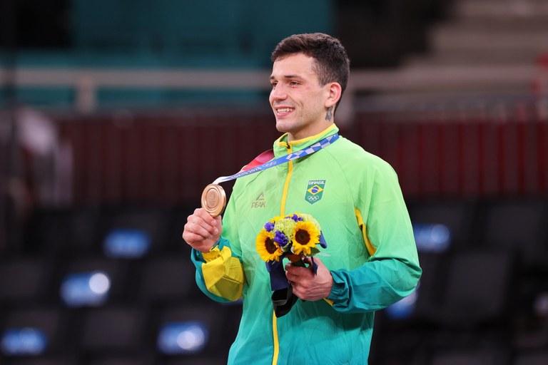 Daniel Cargnin conquista a medalha de bronze no judô