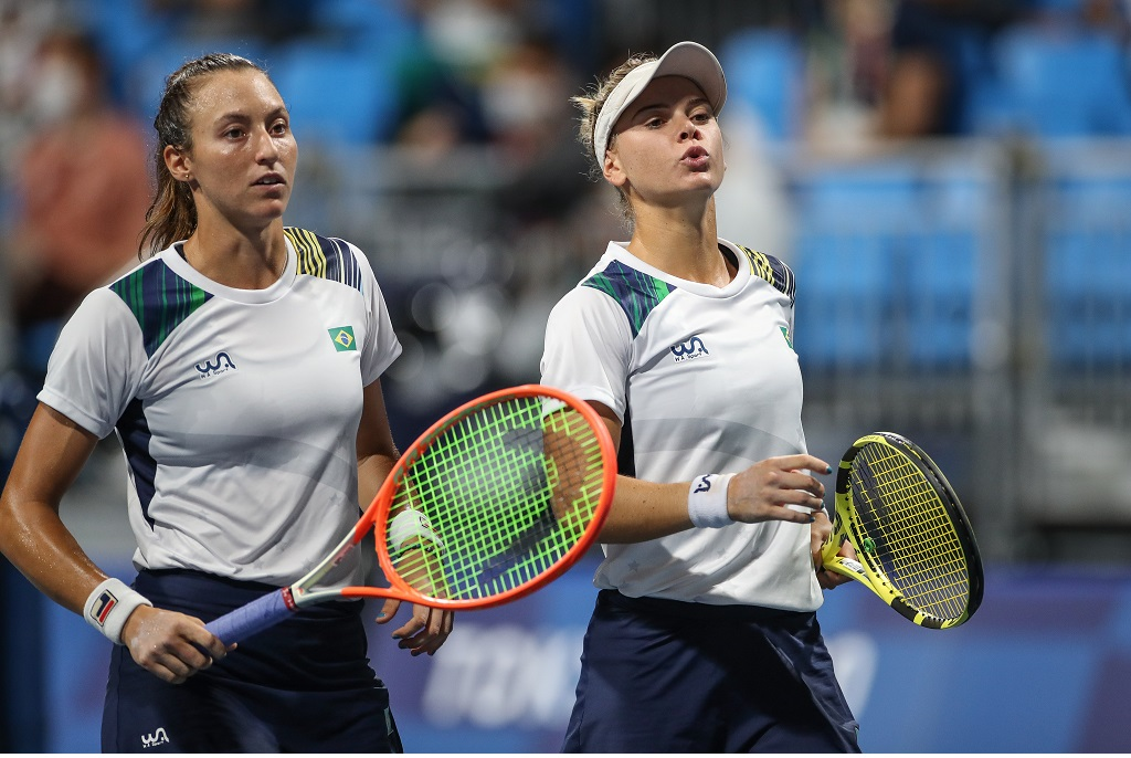 Luisa Stefani e Laura Pigossi conquistam o bronze em Tóquio e fazem história