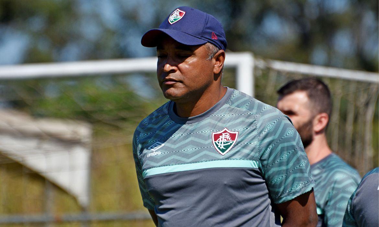 Roger Machado quer força máxima contra Criciúma nesta terça-feira