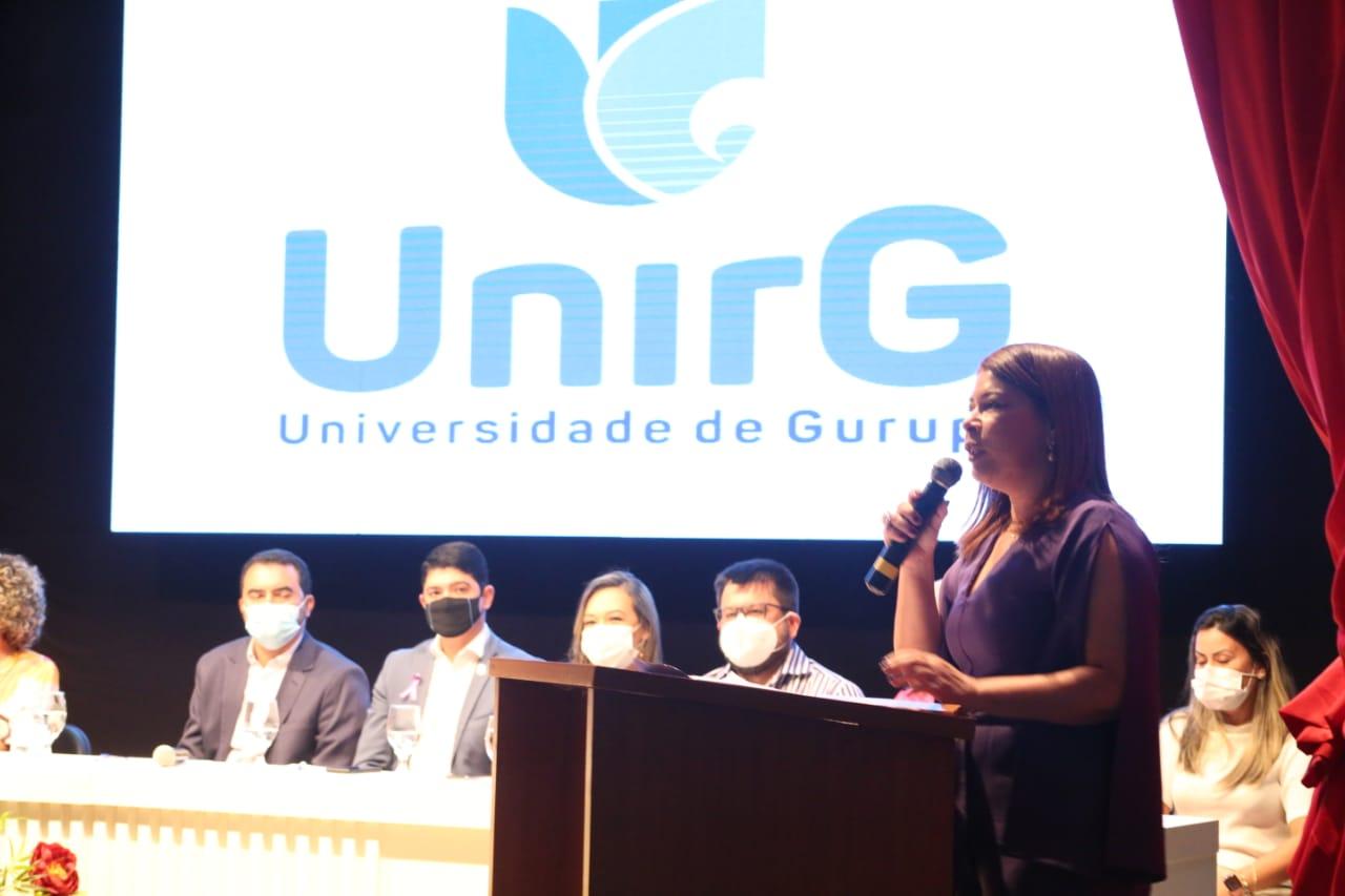 Adriana Aguiar participa das atividades de abertura do campus da UnirG em Paraíso do Tocantins