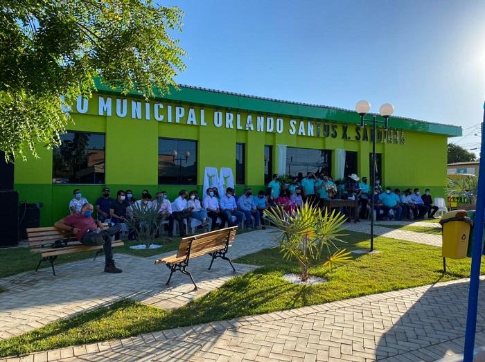 Prefeitura de Rio dos Bois inaugura obras e entrega benefícios à população