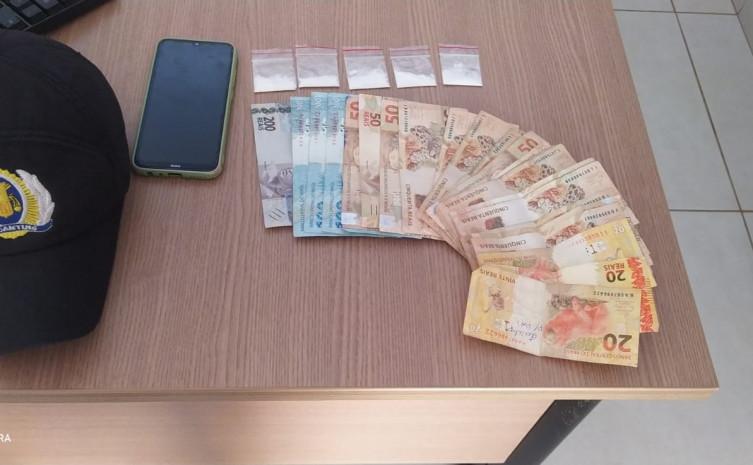 PM apreende mais de R$1,6 mil reais oriundo de tráfico de drogas em Gurupi
