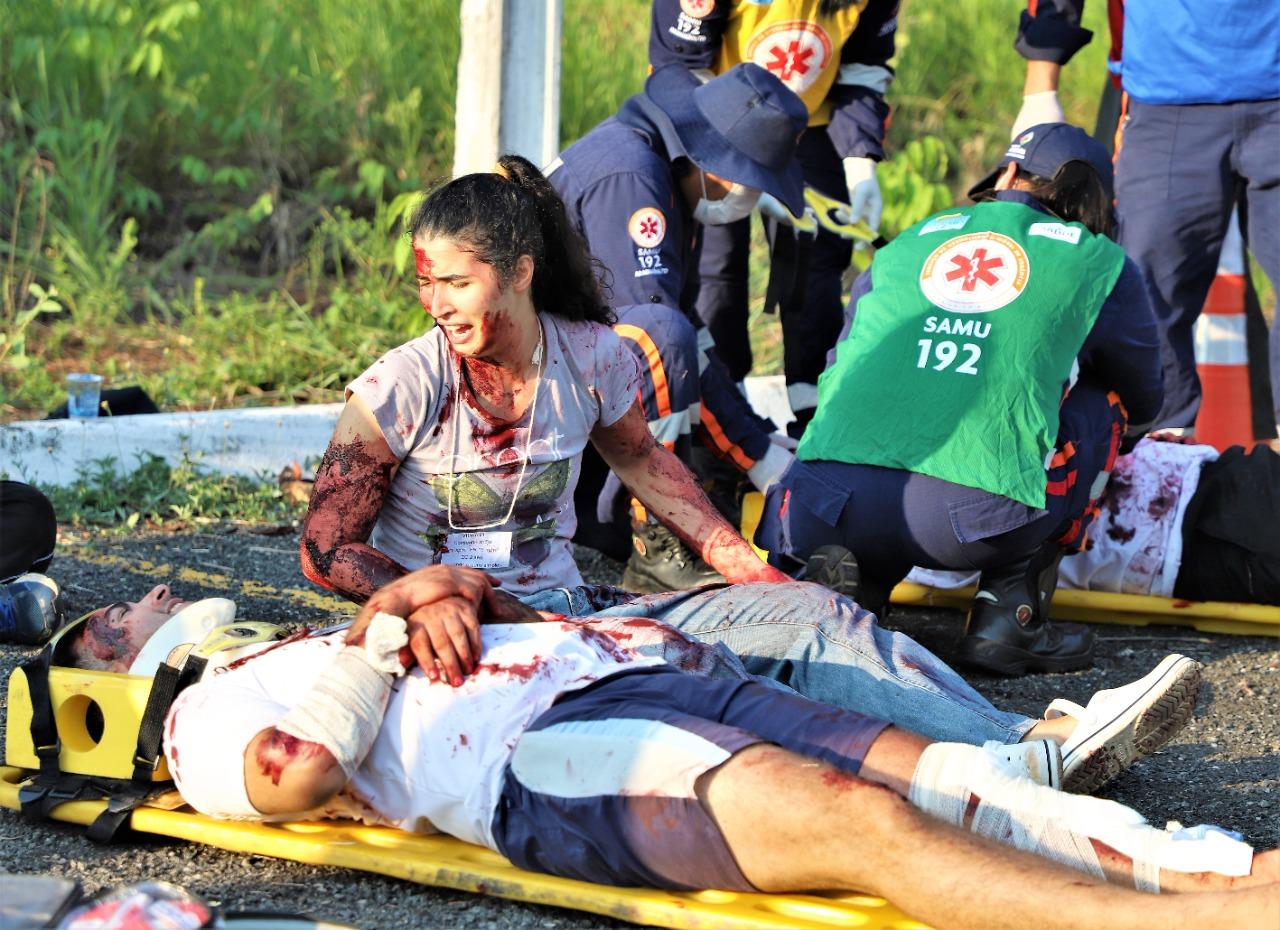 SAMU realiza capacitação com simulação de acidente com múltiplas vítimas