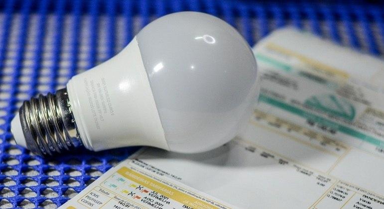 Desconto para quem quer economizar luz já está em vigor, tire 14 dúvidas