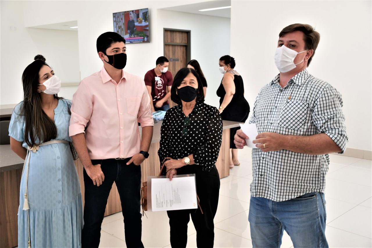 Representantes do Poderes Executivo e Legislativo de Paraíso visitam Hospital de Amor do Tocantins