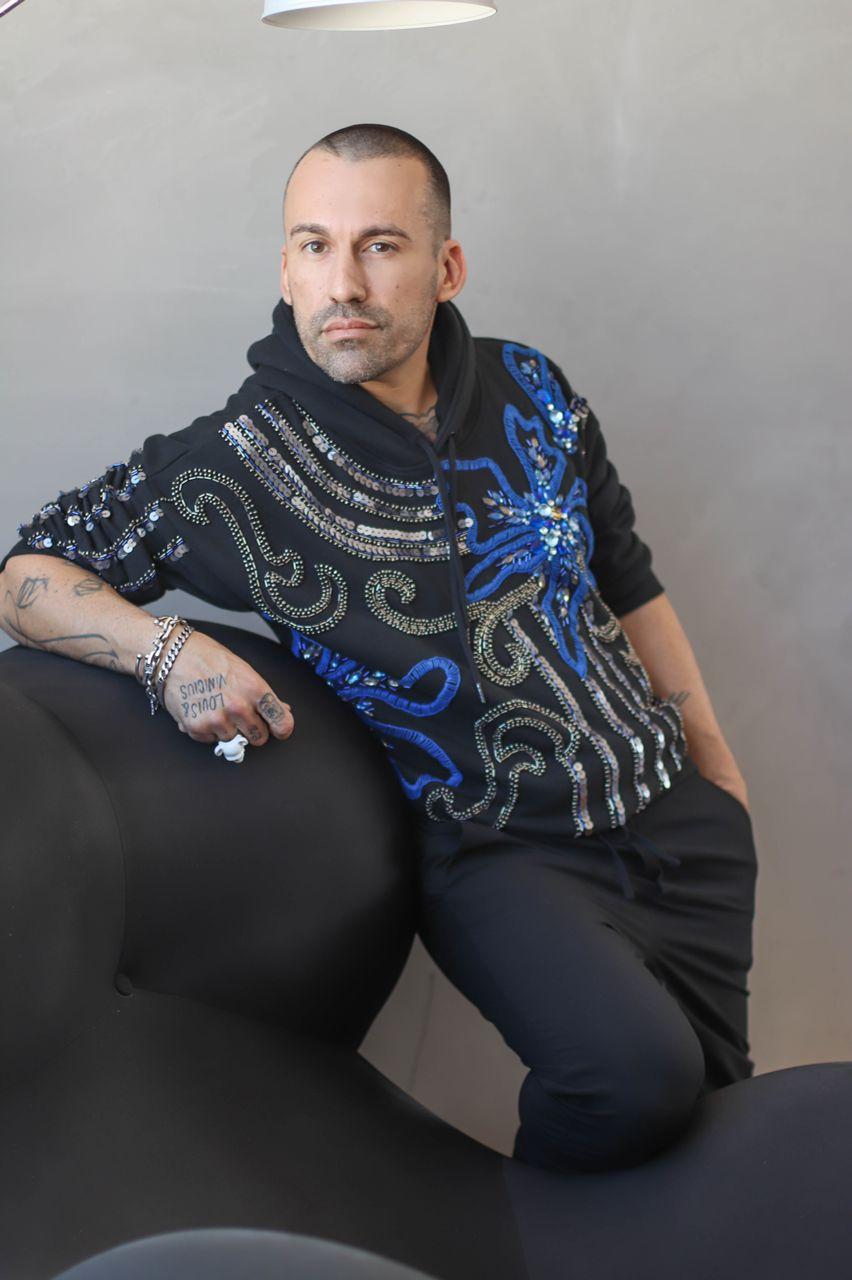 """Ex-apresentador de reality show Benjamin Cano comenta sobre gays apresentarem Big Brother Portugal: """"Brasil poderia copiar"""""""