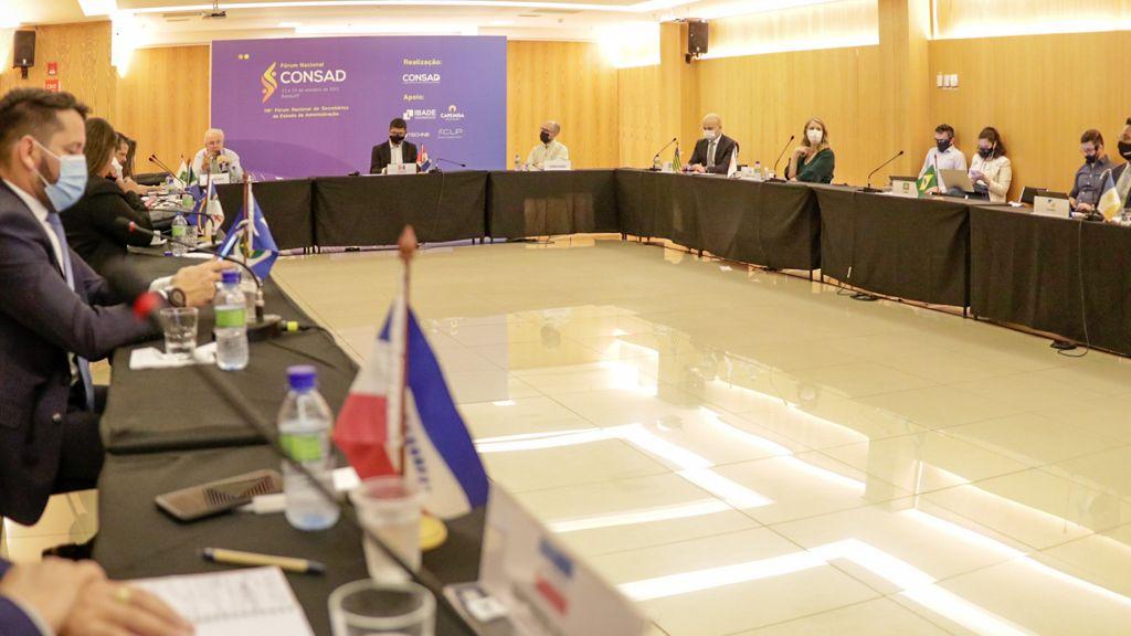 Fórum de secretários da Administração debate reforma administrativa e modelos de governança