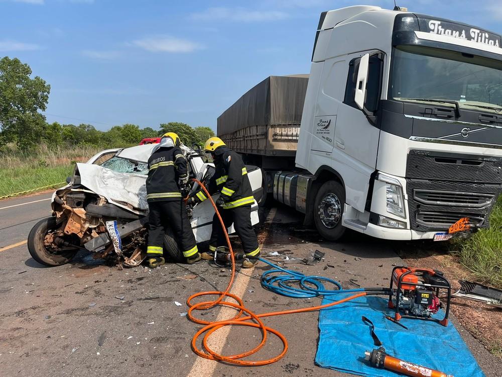 Motorista fica preso às ferragens e morre após colisão na TO-222